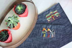 Placemat wls wpm017-018_the building Material : linen Colour : dark blue Length : 44cm Width : 32 cm
