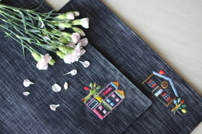 Placemat wls wpm019-020_the building Material : linen Colour : dark blue Length : 44cm Width : 32 cm